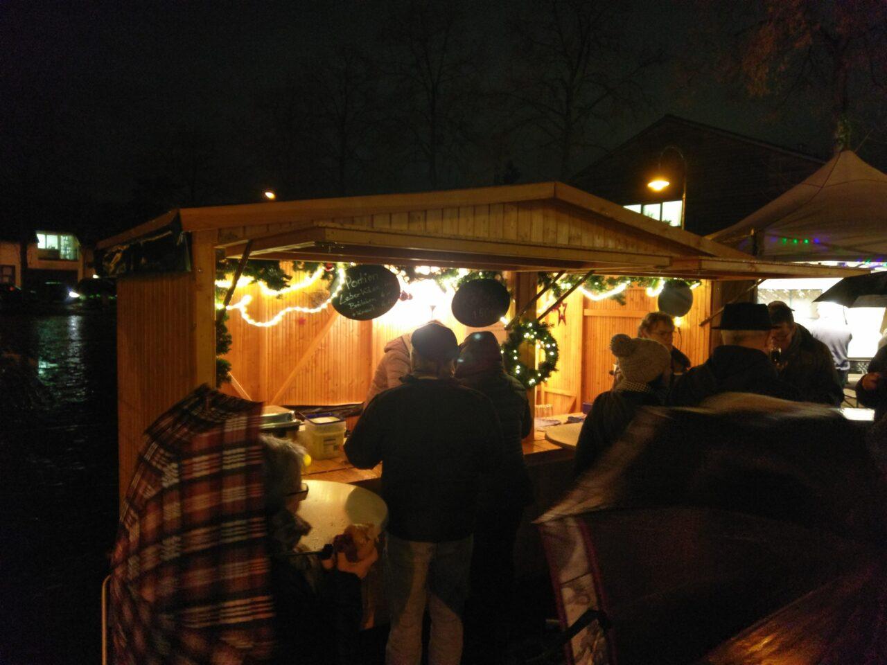 Weihnachtsmarkt-Stand